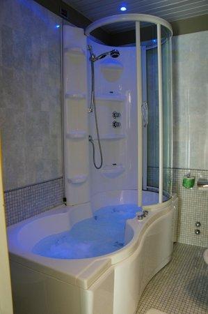 Hotel Monaco: Junior Suite