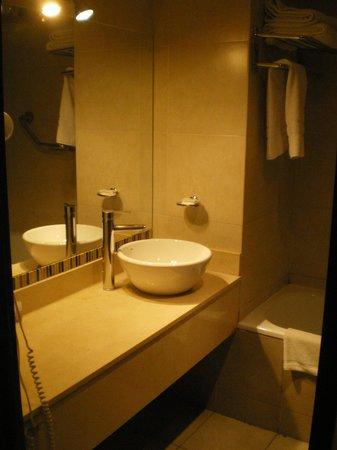Dakar Hotel & Spa: Baño