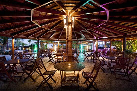 Luz Ocean Club: Mill Restauarnt Alfresco dinning