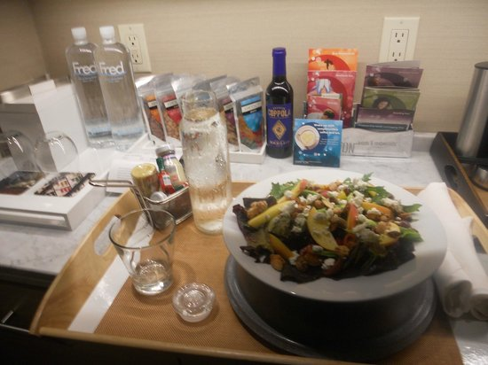 Kimpton Hotel Wilshire : Dinner from room service