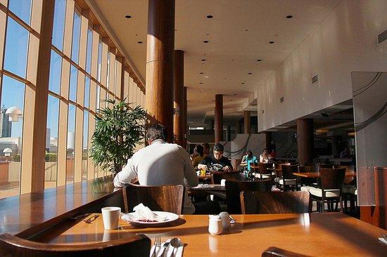 Novotel Sydney on Darling Harbour: Morning Buffet