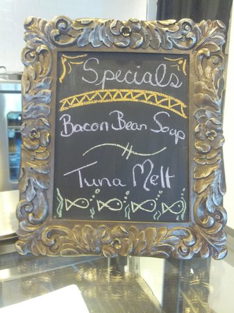 Bee's Knees Cafe: Specials daily