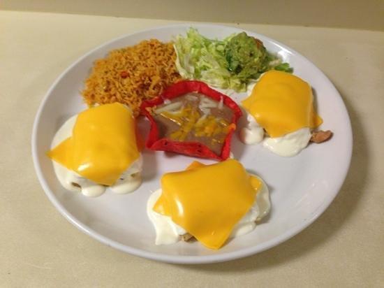 El paraiso fine mexican cuisine: pollo fundido