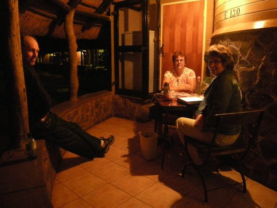 Satara Rest Camp: Enjoying the porch in the evening