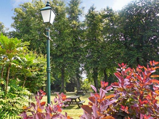 Larkfield Priory Hotel: LPH - Lawn