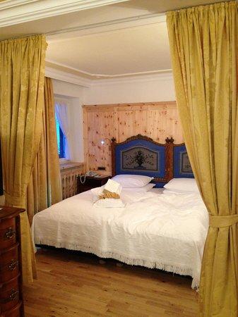Hotel La Perla: Letto