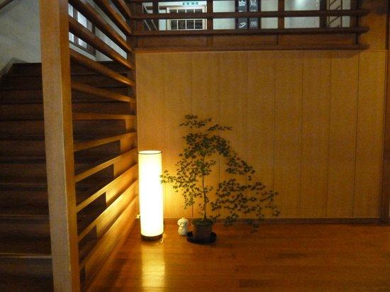 Kamata : Entrance foyer