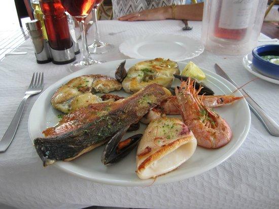 Rhein Restaurant: Mixed fish grill