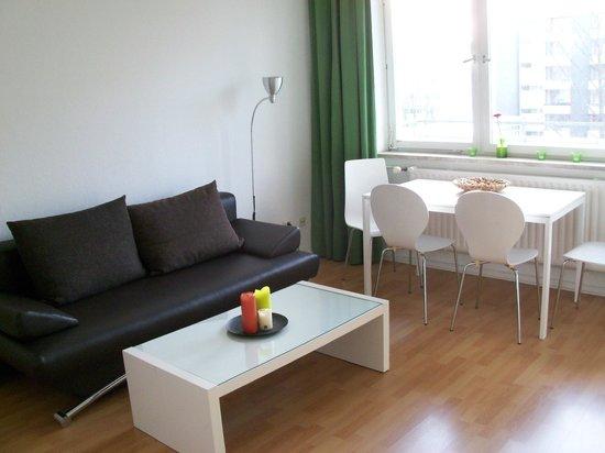 A&B Apartment & Boardinghouse Berlin: Standard Apartment Wohn-/Essbereich