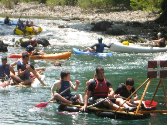 Camping Uhaitza Le Saison : La Saison river