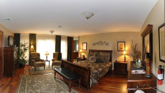 Stone Edge Estate Bed & Breakfast: Terra Cotta Room