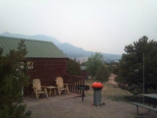 Prospectors RV Resort: Quint little cabin!