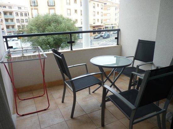 Real Rent Calamora Resort: Terraza