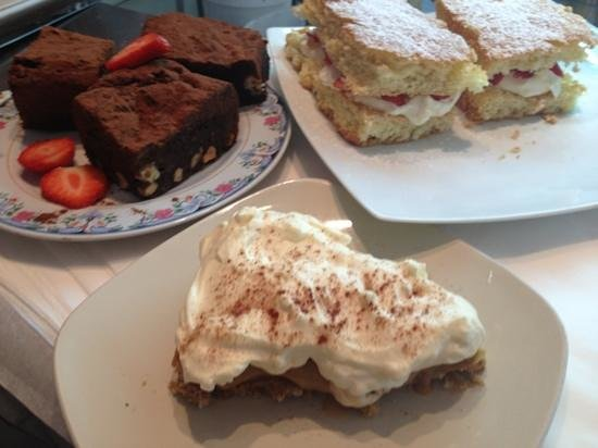 Brambles Cafe & Deli: desserts all made by owner