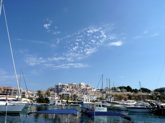 Real Rent Calamora Resort: Vista Moraira desde puerto