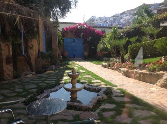 Dar Echchaouen: The entrance