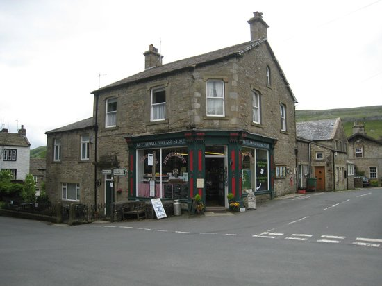 Pennycroft Guest House: Kettlewell village store