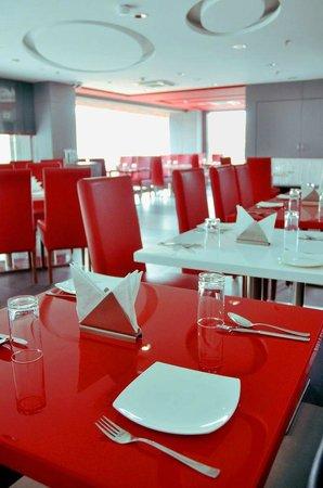 Tune Hotel - Ahmedabad, Gujarat : XO Cafe