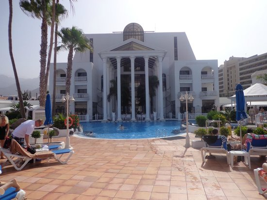Guayarmina Princess Hotel : Hotel and pool