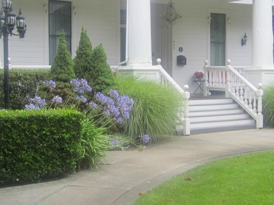 White House : front porch