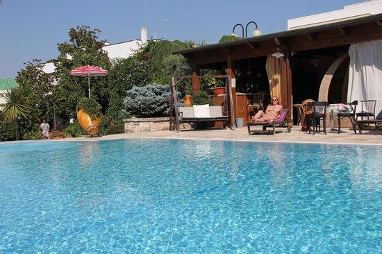 Hotel Cuor di Puglia : area giardino e piscina