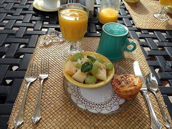 Casa Sedona Inn : First Course of Breakfast