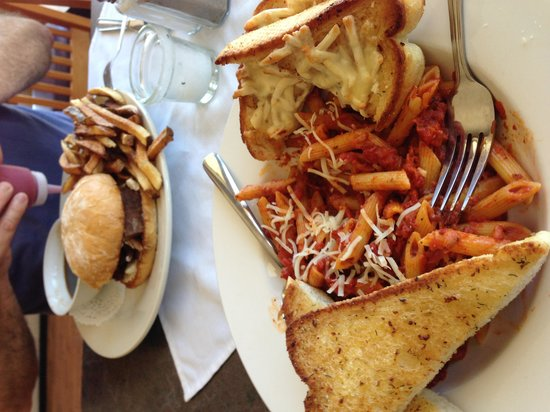 The Sporty Bar & Grill : Another great meal!