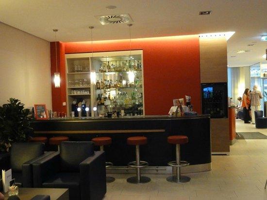 FourSide Hotel City Center Vienna: Bar/Lounge