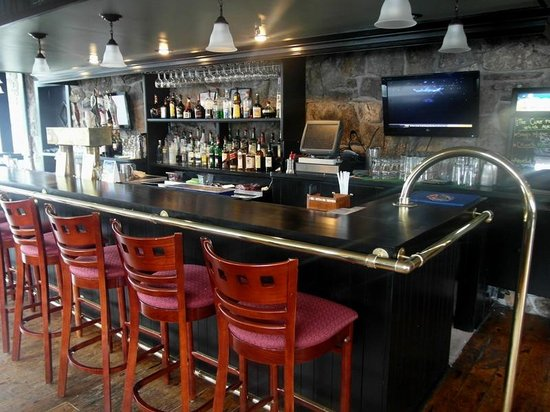 The Village Blacksmith Steakhouse: Bar - Enjoy daily drink specials