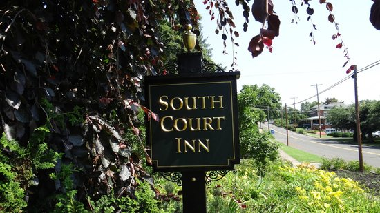 South Court Inn Bed and Breakfast : South Court Inn