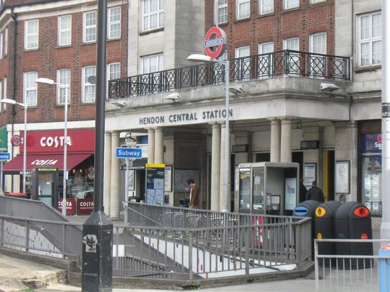 London Backpackers : Closest Underground Station