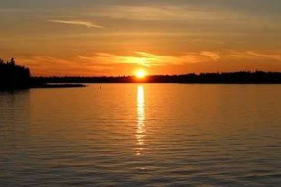 Bruce Anchor Motel and Cottage Rentals: Beautiful Sunset View