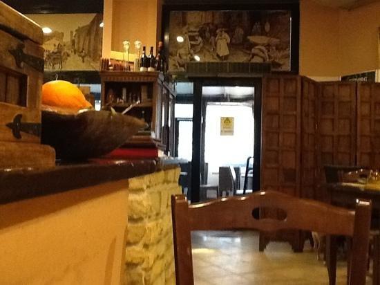 Casali Gasperini: interno del ristorante