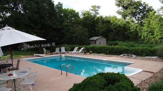 Lackawanna B&B: Lackawanna pool