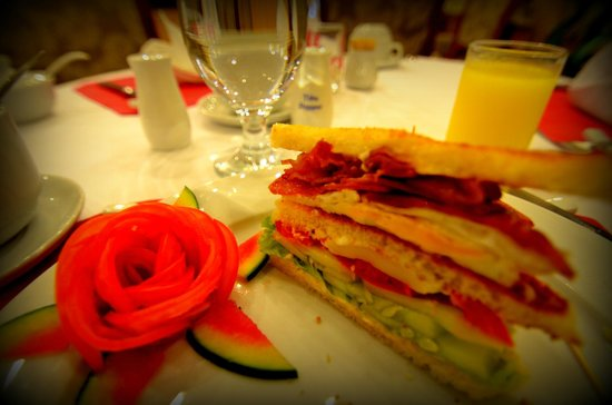 Hanoi City Palace Hotel: Comp[limentary Breakfast