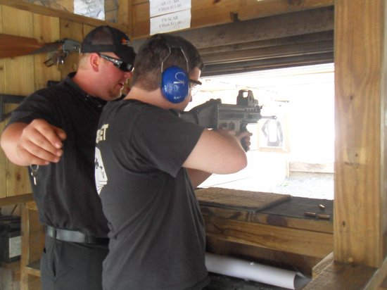 Sunset Hill Shooting Range: Shooting the S.C.A.R