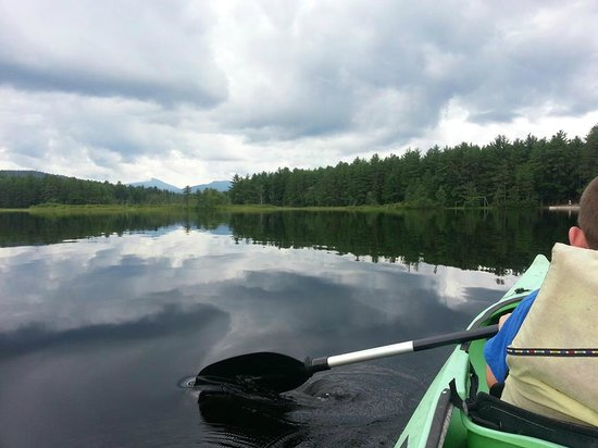 Chocorua Camping Village: Great views from Moore's Pond