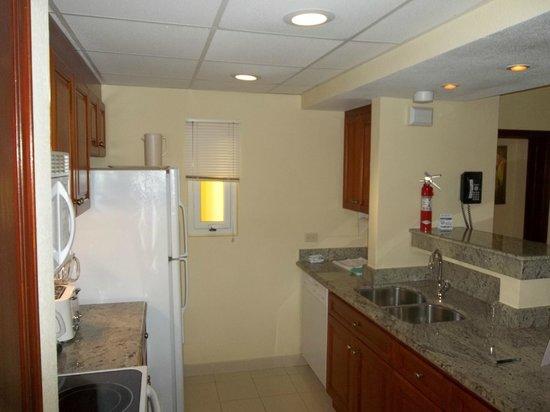 The Villas at Simpson Bay Resort & Marina: Unit 403A - Kitchen