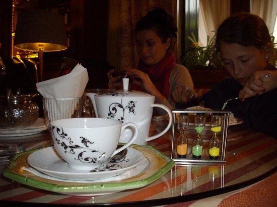 Hotel Villa Abbazia: Tisana e clessidre per misurare i tempi d'infusione