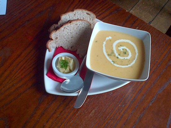The Red Lion: Deliciously fresh, homemade soup with crusty bread