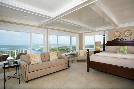 Beachcomber Cottages on Vilano : The Royal Palm--includes a sleeper sofa for additional guests