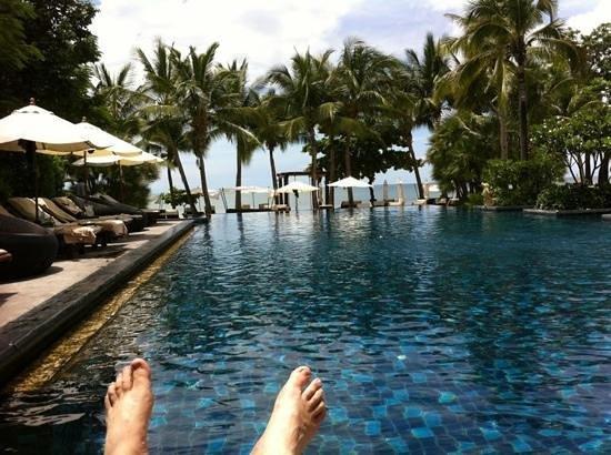 Asara Villa & Suite: Relaxing Pool