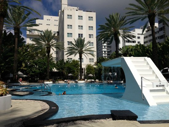 The Raleigh Miami Beach: Pool and Hotel