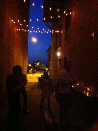 Tobacco Road Tours: At Alley Twenty Six