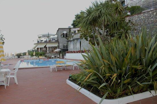 La Margherita Villa Giuseppina: Piscine de l'hôtel