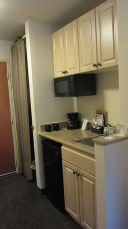 Mediterranean Inn: Kitchenette in Room