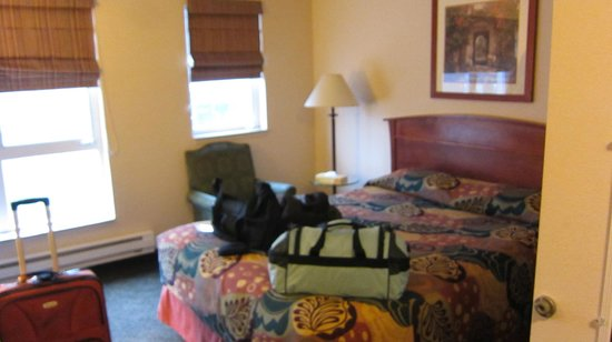 Mediterranean Inn: Slightly Blurry photo of bed in room