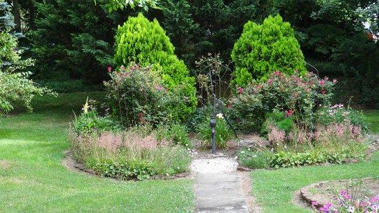 Jacob Rohrbach Inn garden