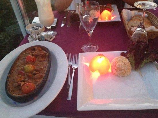 Manzara Restaurant: Andalucian Chicken, served with Rice