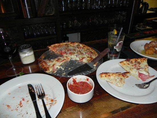 Andolini's Pizzeria : Best pizza sauce!